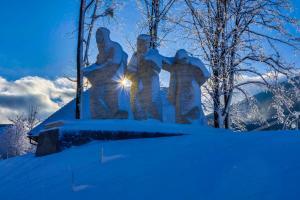 1.týden-  Národní kulturní památka  sousoší Noční přechod